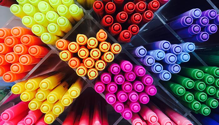 Художественные маркеры дешево
